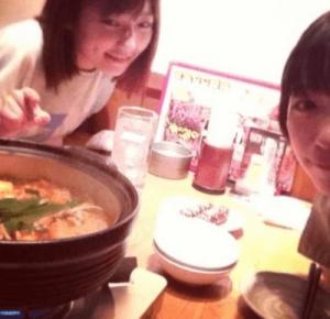 森川葵と元AKB48の島崎遥香がプラーベートでサイゼリアでご飯を食べている時の画像