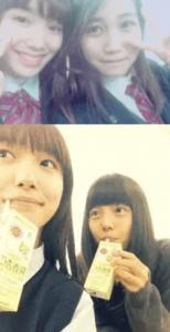 飯豊まりえが井上苑子等の友達と高校内で撮った写真の画像