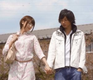 橋本奈々未がドラマ内でジャニーズの中島健人(SexyZone)と手を繋いでる画像