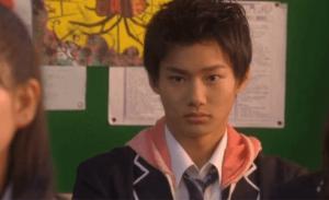 野村周平がドラマ35歳の高校生で湯川理役を演じている画像