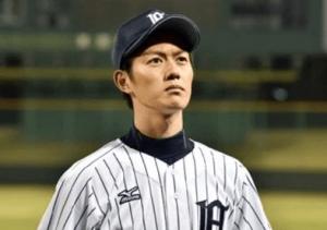 若手イケメン俳優の工藤阿須加がドラマ「ルーズヴェルト・ゲーム」での野球のユニフォームを着ている写真の画像