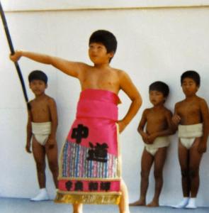 宇良(関取)の幼少期の写真画像