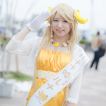バナナ姫ルナ(井上純子)素顔や年齢、彼氏やカップも判明!?コスプレ公務員とのバスツアーが話題!